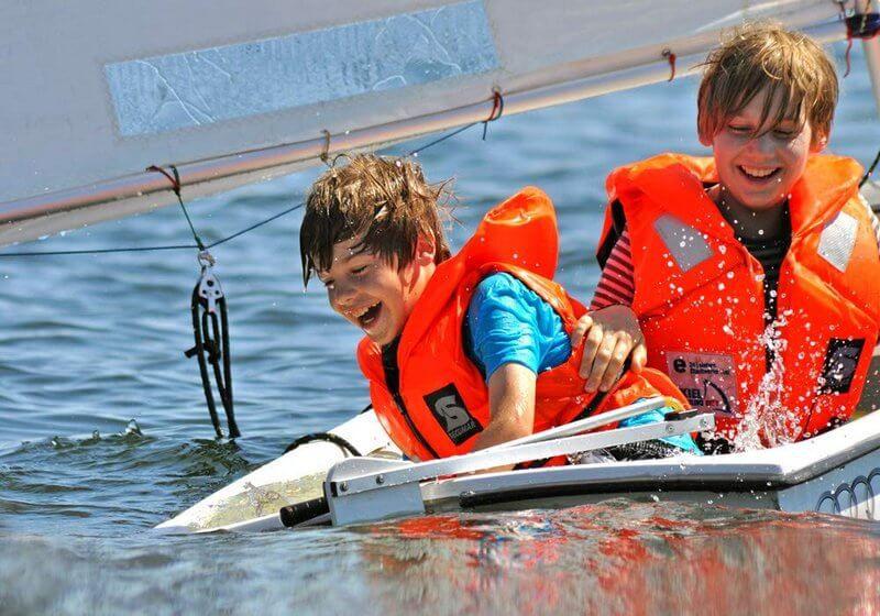 giubbotto salvagente barca bambino