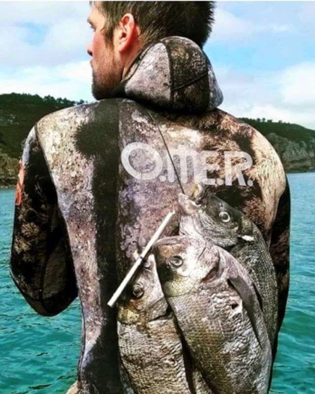 Come scegliere una muta da sub per apnea e pesca senza zip